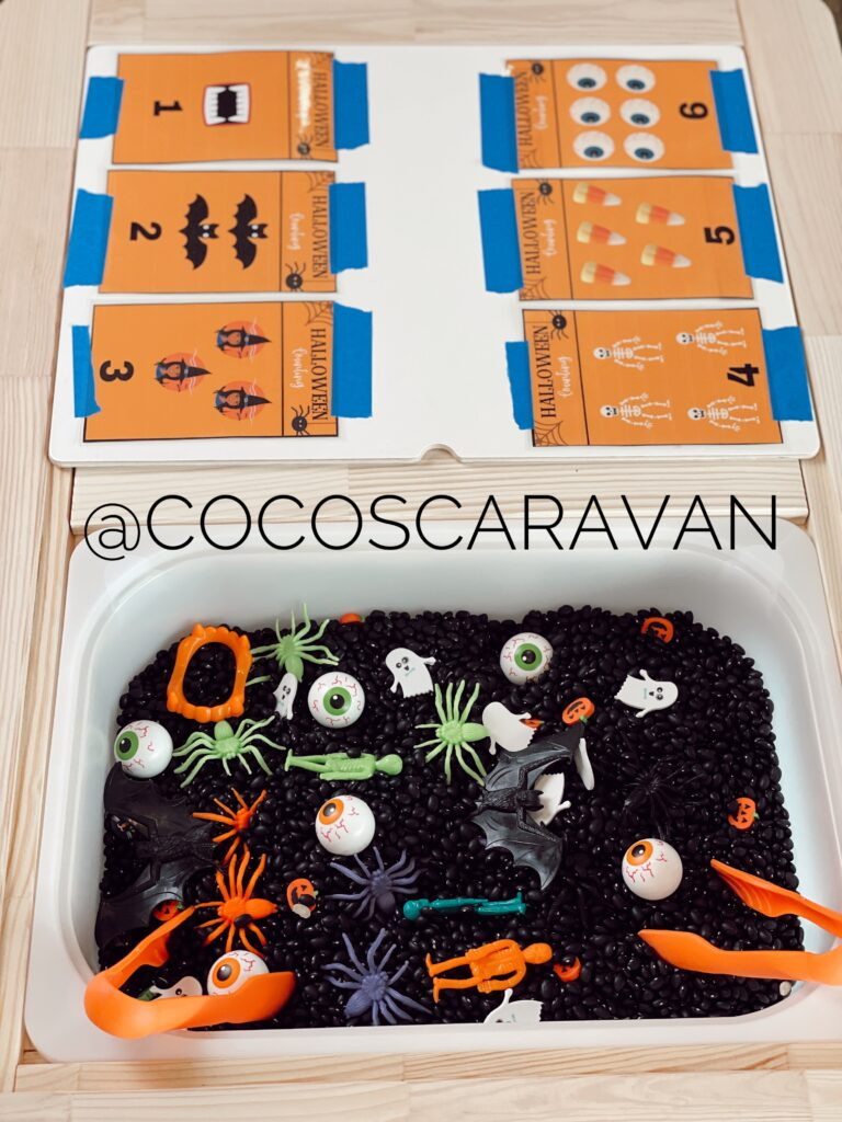 Halloween sensory bin activity to help your kids learn how to count
